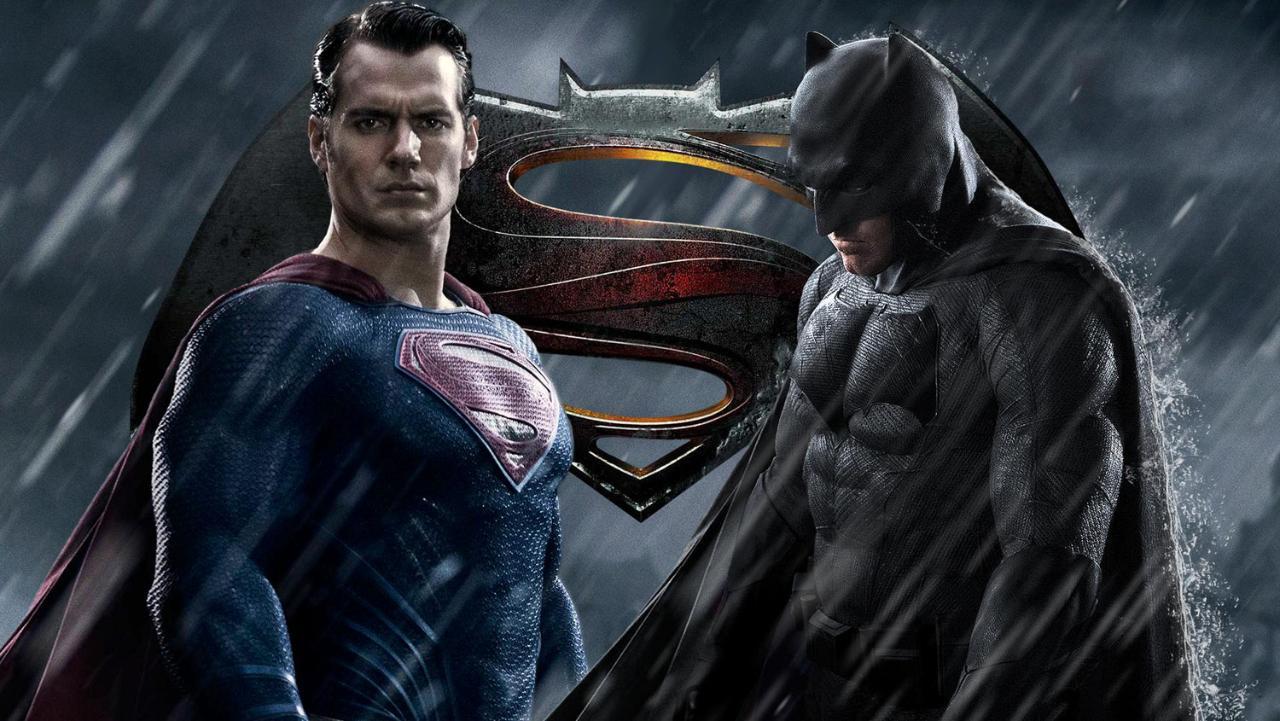super-vs-batman-trailers